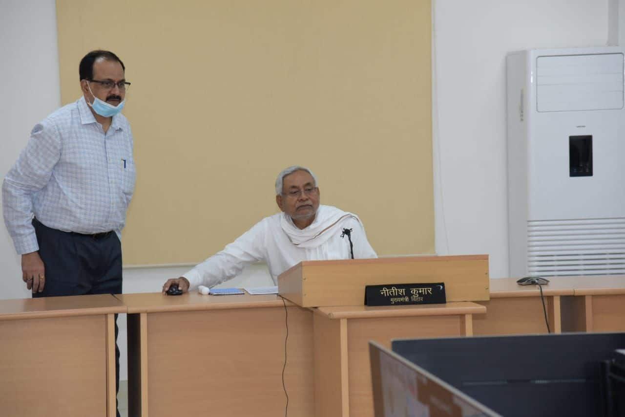 मुख्यमंत्री नीतीश कुमार ने इसके साथ ही झंझारपुर मेडिकल कॉलेज का शिलान्यास भी किया। उन्होंने कहा कि 2006 से पहले बिहार में अस्पताल तो थे पर इलाज नहीं होता था।