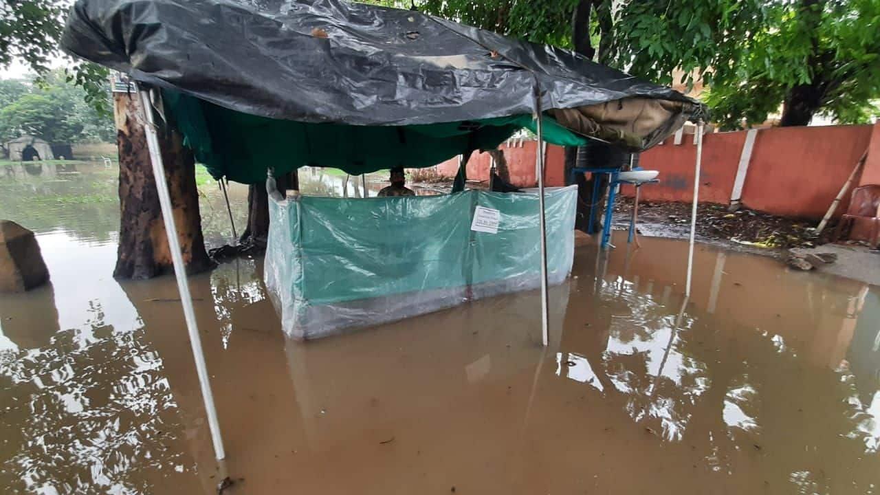 पिछले साल इसी समय पटना भारी बारिश की वजह से डूब गया था। पिछले साल करीब 15-20 दिनों पटना में बाढ़ जैसा नजारा रहा था।