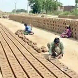 मिट्टी की ईंट बन गईं सोना
