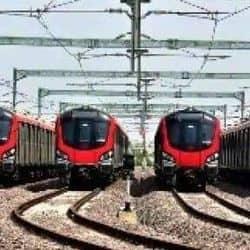 आगरा मेट्रो रेल प्रोजेक्ट के लिए राज्य और केंद्र सरकार के बीच करार होना है. इसके बाद ही मेट्रो का कार्य शुरू हो पाएगा.