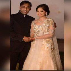 सुसाइड नोट में डॉ दीप्ति ने पति से गुजारिश की कि बेटी का ध्यान रखें और पति के लिए कहा कि उनसे बहुत प्यार करती हैं और जो कर रही हैं पता है कि वो गलत है.