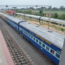 बंगाल लॉकडाउन के चलते पटना -हावड़ा स्पेशल समेत कई ट्रेन कैंसिल, पूरा शेड्यूल