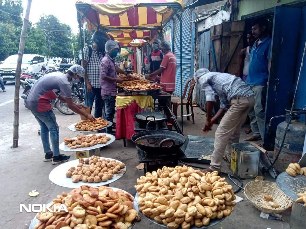 पटना में हरितालिका तीज को लेकर लोगों से लेकर दुकानदारों में उत्साह देखने को मिल रहा है.