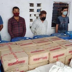 कानपुर के जंगल में चल रही थी अवैध शराब फैक्ट्री, 15 लाख का सामान बरामद, 4 अरेस्ट