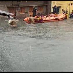 बरसात मे डूबा इंदौर
