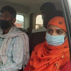 संजीत के परिजन पुलिस को चकमा देकर लखनऊ अखिलेश यादव से मिलने जा रहे थे.