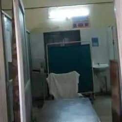 लाल बहादुर शास्त्री अस्पताल में मरीजों की जांच नहीं हो रही हैं.