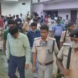 मुजफ्फरपुर दीघरा कांड में छात्रा और आरोपी युवक को कोर्ट में पेश किया गया.