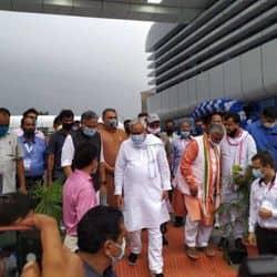 पटना आईएसबीटी पहुंचे मुख्यमंत्री नीतीश कुमार व उपमुख्यमंत्री सुशील मोदी