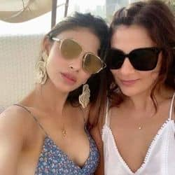 मौनी रॉय ने अपनी बहन के साथ इस तरह मनाया अपना सैटरडे