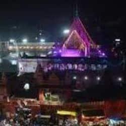 वाराणसी के दुर्गा कुंड मंदिर पर धार्मिक पर्यटक को रिझाने का प्रयास
