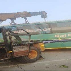 दिल्ली से कानपुर जा रही बस पलटी, 3 यात्रियों की मौत, 5 घायल, सीएम ने जताया दुख.