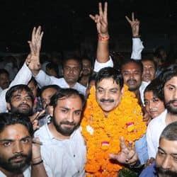 कानपुर बार एसोसिएशन चुनाव में बलजीत यादव अध्यक्ष और राकेश तिवारी महामंत्री बने.