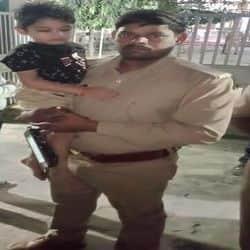 पुलिस ने बच्चे को बरामद कर लिया है.