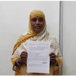 जैबुन निशां और फरीदा को एसएसपी ने एमजी रोड़ ई रिक्शा चलाने की अनुमति प्रदान की गई है.