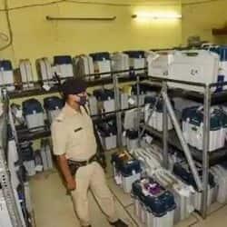 बिहार चुनाव: मतदान के बाद सभी EVM स्ट्रांग रूम में सील