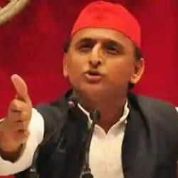 कांग्रेस और बसपा के दिग्गज नेता भी समाजवादी पार्टी में शामिल हुए. (फाइल फोटो)