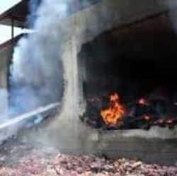 आगरा में जूते की फैक्ट्री में लगी आग (प्रतीकात्मक तस्वीर)