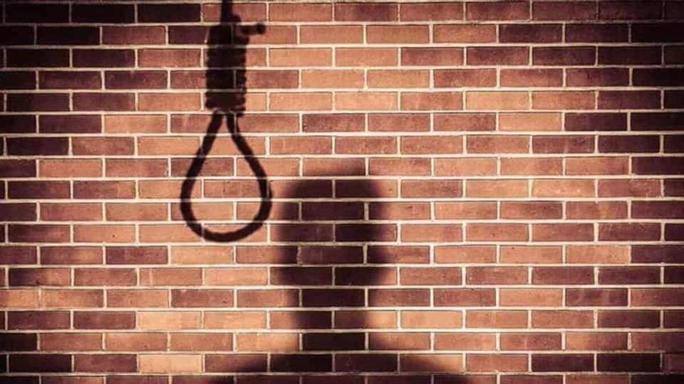 पटना: दारोगा के बेटे होटल में फांसी लगाकर की आत्महत्या, पुलिस जांच में जुटी  - Bihar police Sub inspector son Suicide hanged hotel in patna police  investigation