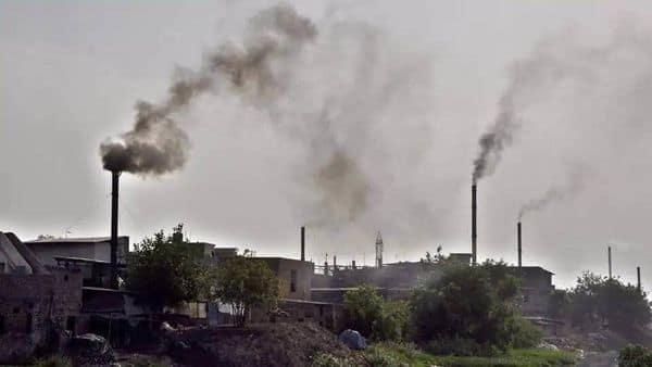 लखनऊ, आगरा, वाराणसी, कानपुर और मेरठ में प्रदूषण का स्तर बढ़ा.
