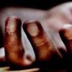 चकेरी में एक युवक ने पत्नी के गम में आत्महत्या करने का प्रयास कर अपना प्राइवेट पार्ट काट डाला.