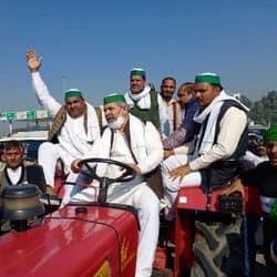 किसान नेता राकेश टिकैत किसानों को लेकर दिल्ली के लिए रवाना हुए.