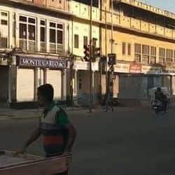 जयपुर की एमआईरोड पर व्यापारियों ने बंद रखी दुकानें