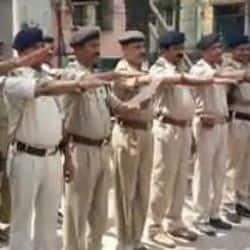 बिहार में शराबबंदी को सफल बनाने के लिए आज 80 हजार से ज्यादा पुलिसकर्मियों ने शराब नहीं पीने की शपथ ली है