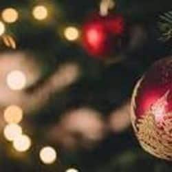 इस बार क्रिसमस डे पर रोम के पादरी काशी का बना गाउन पहनकर चर्च में नजर आएंगे