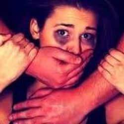 रेप का विरोध करने पर युवक ने युवती की गला काटकर हत्या कर दी.(प्रतीकात्मक फोटो)