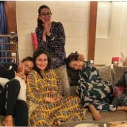 करीना कपूर खान की पार्टी में पहुंची मलाइका, करिश्मा समेत पूरी गर्ल गैंग- PICS