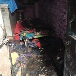 घरेलू विवाद को लेकर एक युवक ने अपनी ससुराल के घर पर पेट्रोल छिड़कर आग लगा दी.