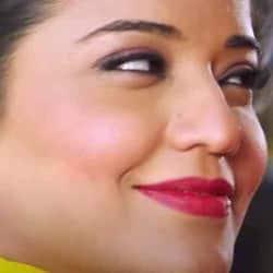Monalisa Pawan Singh Song Behind of Odhani