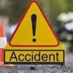 कानपुर में जीटी रोड पर पिकअप की टक्कर से ट्रैक्टर ट्रॉली पलटी तीन बच्चों की मौत (प्रतीकात्मक तस्वीर)