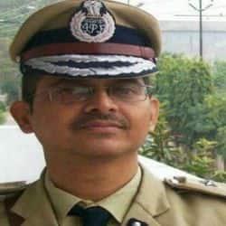 अमिताभ ठाकुर समेत यूपी के तीन आईपीस अधिकारियों को समय से पहले रिटायर किया.