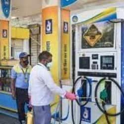 बिहार के पटना, भागलपुर, पूर्णिया, मुजफ्फरपुर, गया में आज पेट्रोल और डीजल का दाम. ( फाइल फोटो )