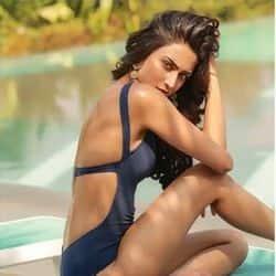 एरिका फर्नांडिस ने ग्रीन कलर की बिकिनी में शेयर किया अपना बोल्ड लुक, देखें वीडियो