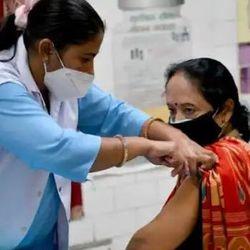 आज से देश में कई राज्यों में वैक्सीनेशन कार्यक्रम शुरू हुआ. (प्रतीकात्मक फोटो)