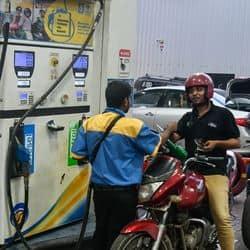 पेट्रोल डीजल 5 मई का रेट लखनऊ कानपुर वाराणसी आगरा मेरठ में फिर बदले तेल के दाम