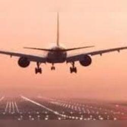 वाराणसी एयरपोर्ट पर लगातार तीसरे दिन भी रद्द हुईं हवाई यात्राएं, यात्री परेशान