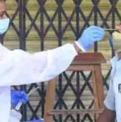 शनिवार को राजधानी पटना में कोरोना संक्रमण के 2498 नए मामलों की पुष्टि हुई. (प्रतिकात्मक फोटो)