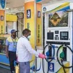 मध्य प्रदेश के भोपाल, जबलपुर, ग्वालियर, इंदौर में आज पेट्रोल और डीजल के दाम. ( फाइल फोटो )