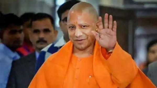 सीएम योगी आदित्यनाथ ने कानपुर के मेयर से फोन पर बात किया. (फाइल फोटो)