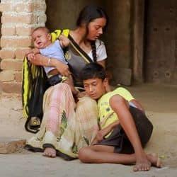 Gunjan Singh Sad Song Babuwa Maral Bhukh Se Video