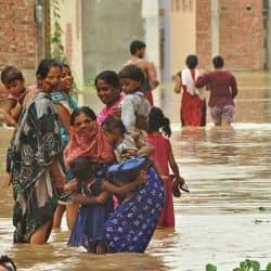 वाराणसी में बाढ़ के हालात को लेकर पीएम मोदी ने की डीएम से बात