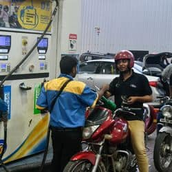इस बदलाव के बाद देश में मिल सकता है 75 रुपये में पेट्रोल और 68 रुपये में मिलेगा डीजल