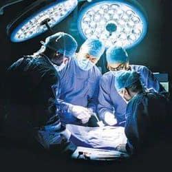10 डॉक्टरों ने यूट्रस में फंसा 5 किलो का ट्यूमर निकाला (फाइल फोटो)