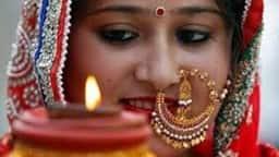 Karwa Chauth 2018: जानें कब है करवाचौथ, क्या हैं पूजा का शुभ मुहूर्त