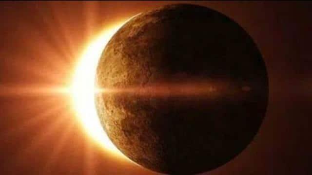 Year, first, sun, eclipse, effect, watching