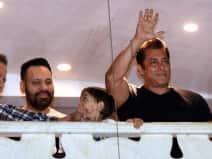 Salman Khan returns to Mumbai after bail
